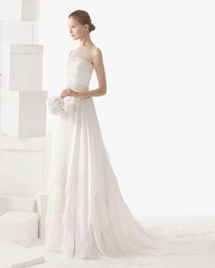 256 CEILAN | Wedding Dresses | 2014 Rosa Clara Collection | Rosa Clara (Shown with sleeveless Illusion Jacket)