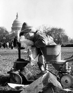 Frank Scherschel - After Harry Truman's inauguration, Washington, D.C., 1949. Time & Life Pictures/Getty Images. S)
