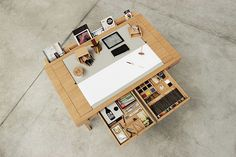 Мультифункциональный стол для рисования и черчения от Viarco и дизайн-лаборатории Digitalab | AD Magazine