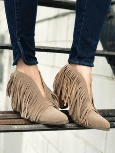 Lakota Fringe Booties. Chic and sassy. Deep v front fringe boots. Fall fashion. Western style. Fashion. Style. Boutique. therollinj.com