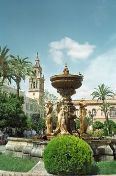A city so rich of culture and diversity, really charming. Cordoba Andalucia, Andalucia Spain, L'architecture Espagnole, South Of Spain, Spanish Architecture, Madrid, Granada, Spain And Portugal, Beautiful Places To Visit