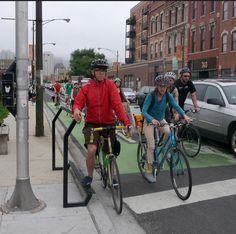 Installed in 2014, the Curbee is the first Copenhagen-style cycle footrest in the US. Click image for link to full story via Streetsblog USA and visit the slowottawa.ca boards >> https://www.pinterest.com/slowottawa/
