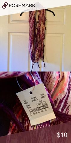 AMERICAN EAGLE OUTFITTERS Infinity Scarf AE Outfitters - Great, vibrant colors - brand new! American Eagle Outfitters Accessories Scarves & Wraps