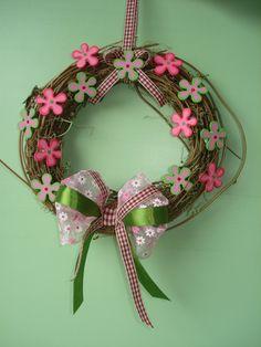 Hegykői Virágoslányok: Szeretnél saját készítésű tavaszi ajtódíszt?