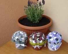 dekorace+růžičky+Kdo+je+kozel+zahradník+:)+udělá+si+radost+kytičkou+co+neuvadne+a+je+stejně+krásná.+Dekorace+je+šitá+a+lepená.+Udělám+na+zakázku+do+jakékoli+barvy+či+květináčku,velikosti.+-+rozměry+cca+13+cm+výška,+průměr+12cm+cena+orientační,záleží+na+velikosti+čv+6355