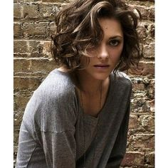Marion Cotillard #short curls style hair ❤ liked on Polyvore featuring people, pictures, fotos and hair