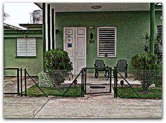 Fachada de la vivienda. Cienfuegos, Villa, Fork, Villas