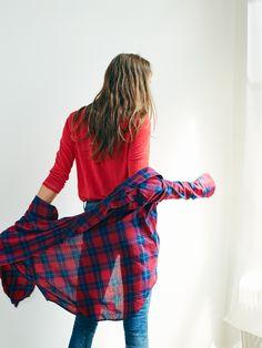 "madewell oversized plaid boyshirt worn with the 9"" high riser skinny skinny jeans + modern linen raglan tee. #denimmadewell"