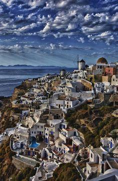 Oia, Santorini, Greece http://www.vacationrentalpeople.com/vacation-rentals.aspx/World/Europe/Greece/Greek-Islands/Cyclades/Santorini
