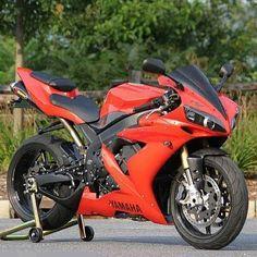 Yamaha r1. #YamahaBikes