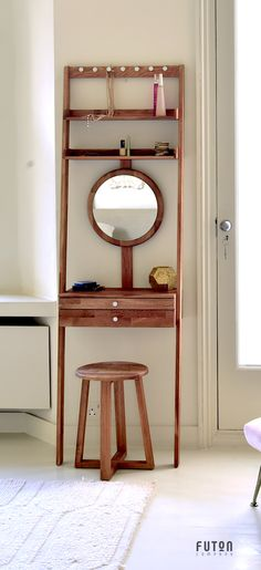 Oak Leaning Mini Dressing Table - Designed to simply lean against the wall, this clever invention is easily moved around, ideal for small space living. What's more, the mirror can be adjusted to accommodate any height. Room Interior, Interior Design Living Room, Dressing Table Design, Small Cottage Kitchen, Diy Furniture, Small Spaces, Diy Home Decor, Bedroom Decor, Decoration