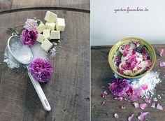 Rosenbutter ist ganz einfach herzustellen und super lecker! Hier gibt´s das Rezept für Euch!