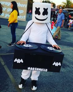 MARIO DARIAN with his Marshmello DIY Costume! Loved making this for my son with my husbands help. It was a crowd favorite! MARIO DARIAN with his Marshmello DIY Costume! Loved making this for my son with my husbands help. It was a crowd favorite! Halloween Costumes Kids Boys, Boy Costumes, Cute Halloween, Halloween Crafts, Marshmallow Costume, Dj Marshmello Costume, Marshmello Helmet, 9th Birthday Parties, 7th Birthday