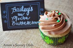 What goes better with Bailey's than coffee? These decadent Bailey's Irish Cream Cupcakes with Mocha Frosting are a magical combo! Mocha Frosting, Coffee Buttercream, Buttercream Frosting, Frosting Recipes, Cupcake Recipes, Healthy Dessert Recipes, Delicious Desserts, Snack Recipes, Awesome Desserts