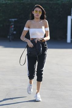 Madison Beer grabs lunch at Mauro's In West Hollywood!  (November 8th, 2016) #Madisonbeer