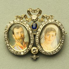 This small brooch was most likely made soon after Tsar Nicholas and Tsaritsa Alexandra's wedding. On it, Alexandra wears a headpiece and jewels similar to the ones in the couple's wedding portraits. Nicholas is depicted in the uniform of the Life-Guard Hussars Regiment that he wore at the wedding.
