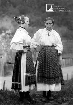 June 24 - Day of Universal exit - female traditional Transylvanian Shirts Folk Costume, Costumes, Romania, Ethnic, Museum, Textiles, June 24, Album, Traditional