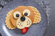 un chiot en pancakes à déguster au petit déjeuner