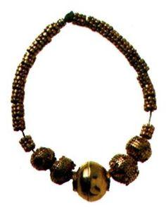 БУСЫ. Ранняя стадия позднего бронзового века, в 15 в. до нашей эры, Лчашен, Курган № 2, Золото, 8x1, 3x2 см, вес: 21,1 г, НИМ
