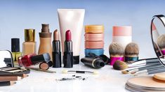Where do you buy your makeup? Who do you think sells the best makeup for mature skin and why? Is there a particular makeup product that you could not live without? Oriflame Cosmetics, Makeup Cosmetics, Sephora Makeup, Beauty Care, Beauty Hacks, Beauty Spa, Beauty Advice, Beauty Essentials, Diy Beauty