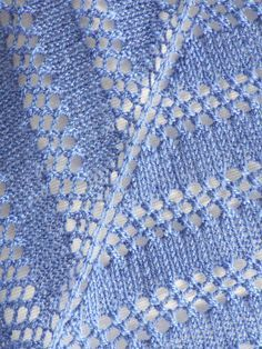 Ravelry: Easy Peazy Scarf/Shawlette pattern by Megan Delorme Free pattern. Pretty and simple.