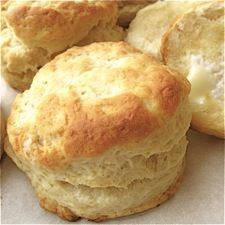 Biscuits from King Arthur Flour. Remember when cutting biscuits--don't twist your cutter as you go down. Flour the cutter first and push straight down. The biscuits will rise higher if you remember this tip. Philsbury Biscuit Recipes, Cream Biscuits, Buttermilk Biscuits, Flakey Biscuits, Easy Biscuits, Hardees Biscuit Recipe, Bread Recipes, Baking Recipes, Flour Recipes