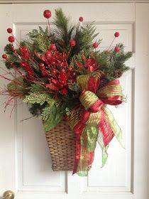 Christmas Planters, Christmas Baskets, Christmas Swags, Xmas Wreaths, Christmas Flowers, Christmas 2016, Christmas Christmas, Christmas Crafts To Make, Country Christmas Decorations