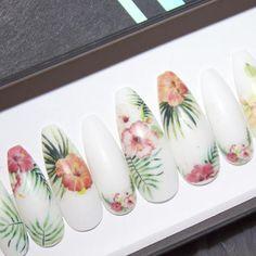 Tropical Hibiscus Press on Nails acrylic nails nail art Matte White Nails, White Manicure, White Nail Art, White Nail Designs, Nail Art Designs, Nail Prep, Birthday Nail Art, Nail Art Pictures, Super Nails