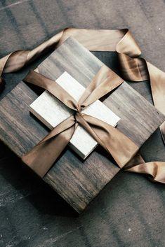 Entregas de #VivianaCardonaWeddings  #Wedding #Packaging #branding #wood #love #wed #bodas #entregas #paquetería #vivianacardonaweddings #vivianacardona