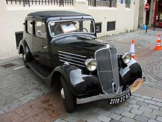 Belos Automóveis Antigos by Daniel Alho / 1935 Renault Monaquatre
