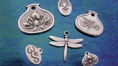 Gastineau Studio   135 North Broadway (859) 986-9158         Ken's interest in metal work and sculpture, combined with influences from travels to Europe and the American Southwest help define his jewelry making and metal work. At Gastineau Studio bars of lead-free pewter are melted and