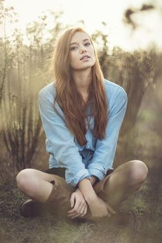 new Ideas for photography poses women outdoors portraits senior girls Fashion Photography Poses, Outdoor Photography, Photography Women, Senior Photography, Teen Girl Photography, Photography Ideas, Children Photography, Family Photography, Nature Photography