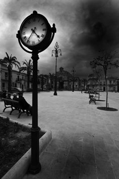 Love black & white images!