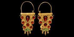 Islamic Seljuk Earrings with Filigree and Garnets, century AD Canvas Paintings, I Love Jewelry, 14th Century, Household Items, Filigree, Persian, Antique Jewelry, Gold Earrings, Garnet