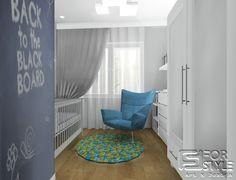 Zuzia dostała swój pokoik z ścianą tablicową pomalowaną specjalną farbą oraz miejscem na zabawki. Pokój dla dziecka, w stonowanych kolorach zarówno dla chłopca jak i dziewczynki, duży wygodny fotel do czytania książek / bajek, grafika na ścianie, szarość, błękit, pastele, design ... Projektowanie wnętrz 4-style.pl