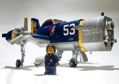 It's a Lego Air Plane! We've assembled a variety of cool MOC models from around the world to inspire you for your next air plane model! Lego Avion, Lego Plane, Lego Ship, Lego Spaceship, Lego System, Camo Colors, Hobby Toys, Lego Moc, Lego Lego
