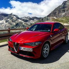 Perfect Drive on Mountain Roads in Italy with the Alfa Romeo Giulia Quadrifoglio