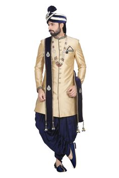 Buy designer ethnic sherwani online for men from ParivarCeremony.We bring you huge collection of sherwanis in various colour, fabric & style. Sherwani For Men Wedding, Mens Sherwani, Sherwani Groom, Kurta Men, Wedding Men, Wedding Suits, Marriage Dress For Men, Mens Ethnic Wear, India Shopping