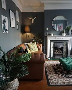 gorgeous 36 Perfect Victorian Sofa Ideas For Elegant Living Room Chesterfield Living Room, Living Room Sofa, Home Living Room, Interior Design Living Room, Living Room Designs, Interior Walls, Victorian Sofa, Victorian Living Room, Elegant Living Room