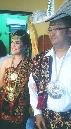 Pakaian adat dari pulau Roti, Nusa Tenggara Timur