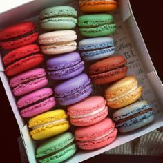 A rainbow of macaroons because... macaroons.