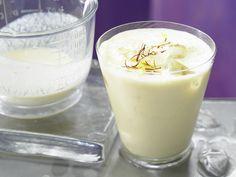 Pfirsich-Joghurt-Drink - mit Kokosmilch - smarter - Kalorien: 85 Kcal - Zeit: 10 Min. | eatsmarter.de #eiweissshakes #eiweissshake