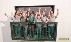 Bloomframe® è l'innovativa finestra che si trasforma magicamente in un balcone al tocco di un pulsante. Un elemento nuovo con notevoli vantaggi non solo estetici, ma anche funzionali. Il sistema sviluppato e brevettato dallo studio d'architettura Hofman Dujardin in collaborazione con l'azienda olan
