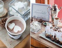 Para casamentos no inverno que tal um Bar de chocolate quente?