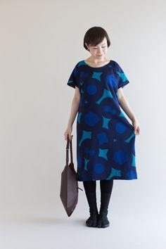 """Rectangle""loose fitting dress, made of natural ""muslin"" fine woven wool. Drapes beautifully, featuring original SOU SOU print. #style #dress #kimono #sousou , #sousoukyoto #kyoto #womenswear"