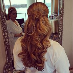 Looking for a #stylist to come to you on your #wedding day?  The Style Bar does exactly that!  http://www.thestylebar.com   #bridal #hair #makeup
