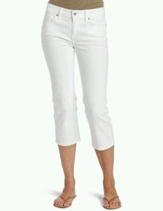 3611b612e1 Spring pants with floral flowy shirt. Trendy Jeans