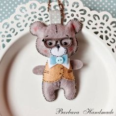 Barbara Handmade... Boy bear wearing glasses
