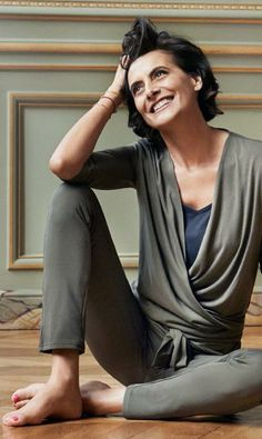 Ines de la Fressange wearing her collection. Available worldwide on www.uniqlo.com