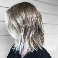 70 Winning Looks with Bob Haircuts for Fine Hair - Ash Blonde Bob With Platinum Balayage - Ash Blonde Bob, Dark Blonde Hair, Blonde Bobs, Blonde Balayage, Short Blonde, Bob Haircut For Fine Hair, Lob Haircut, Haircut Long, Long Bob Fine Hair